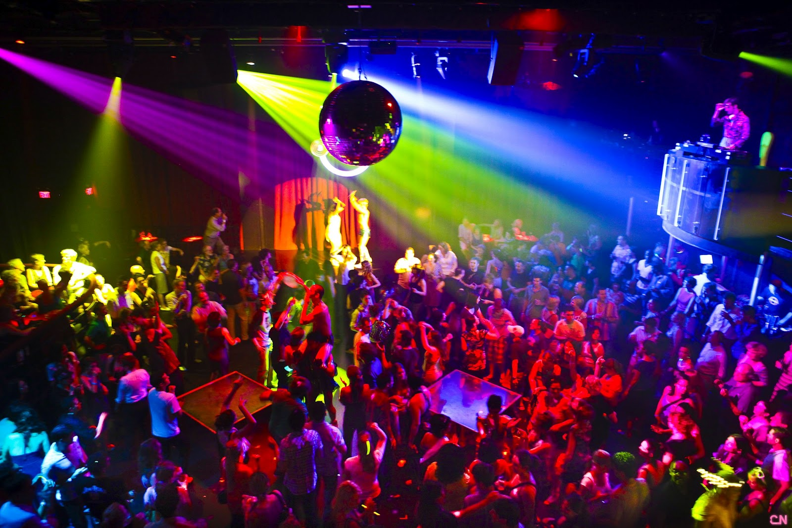 Best Party Places in Delhi NCR !
