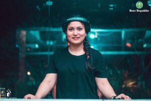 Book DJ Sushmi for Wedding and corporate event